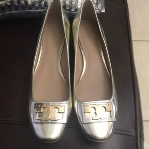 New gold Tory Burch small heel